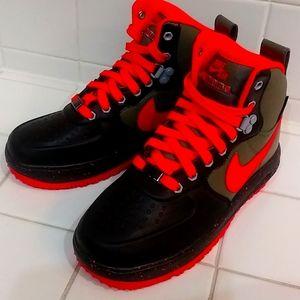 Nike Lunar Force 1 shoes